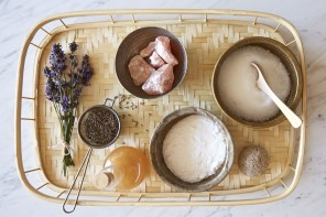 How to: Medicinal Salt and Soda Bath